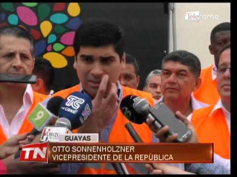 Sonnenholzner constató avance de obra de unidad educativa en Santa Lucía