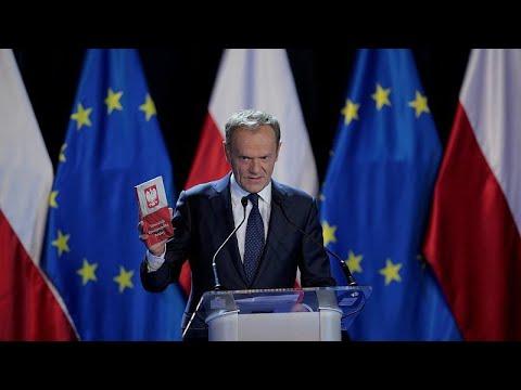 Σεβασμό στο Σύνταγμα ζήτησε ο Τουσκ από την Πολωνία