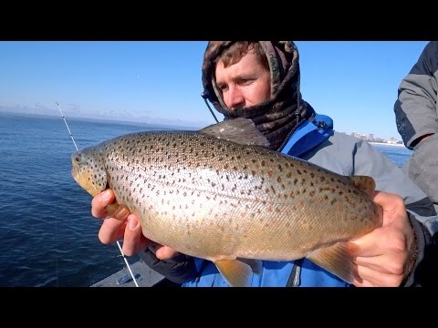 Full video coldest fishing day of my life 25 f 31 c for Jon b fishing