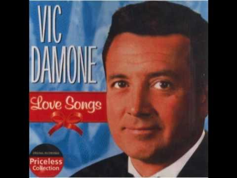 Tekst piosenki Vic Damone - On The Street Where You Live po polsku