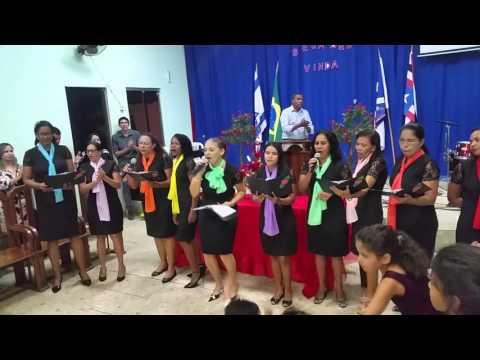 Vocal Rosas de Saron louvando a Deus em Vila Nova dos Martírios. Ma.