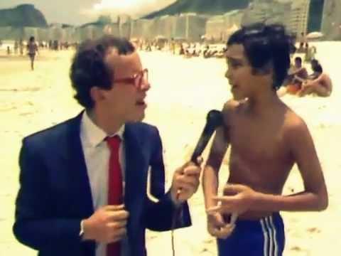 Download Ernesto Varela em 1985, com um Menino Carioca da Gema! HD Mp4 3GP Video and MP3