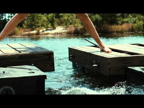 Piranha 3DD - Clip 1