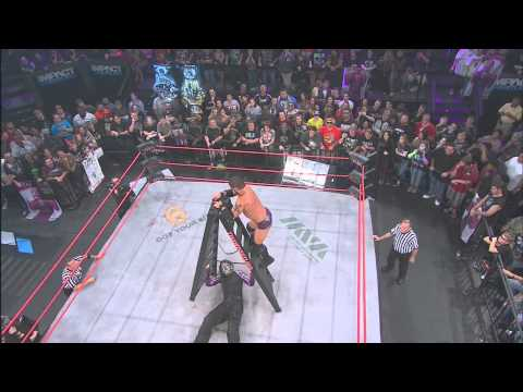 Turning Point 2012: Jeff Hardy vs. Austin Aries (Ladder Match)