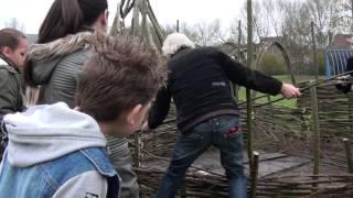 Kinderen gaan natuurlijk spelen bij OBS Trianova in Leeuwarden