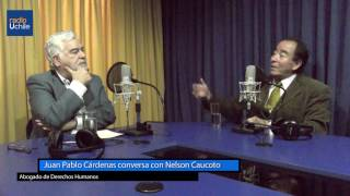 Juan Pablo Cárdenas conversa con el abogado Nelson Caucoto
