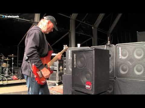 In this video Roger Glover is playing on the BG250-210 from TC Electronic.