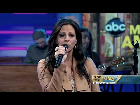 Sara Evans - A Little Bit Stronger (3.9.2011)(Good Morning America HD)