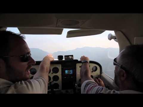 Volo sul lago a bordo di un Cessna