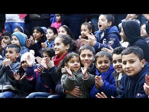 Ευκαιρία χαρακτήρισε την εισδοχή αριθμού ρεκόρ προσφύγων στη Γερμανία, η Άγγελα Μέρκελ