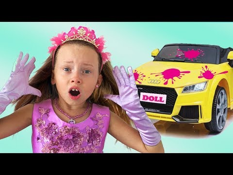 Alice playing Car Wash with Kids Toys