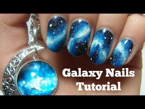 tutorial su come creare delle unghie con effetto galassia