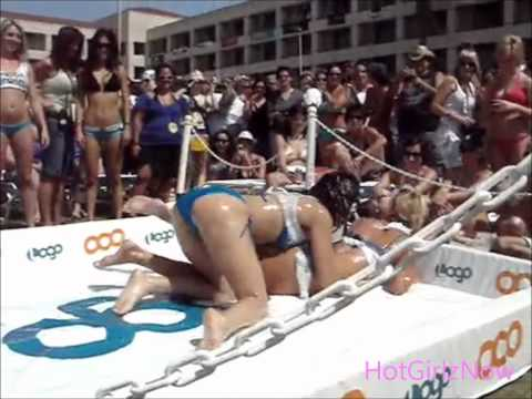 Hot Girls Wrestling in Lube