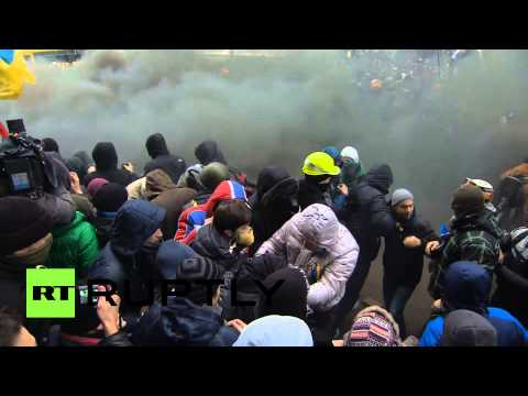 Kiev - COURTESY: RT's RUPTLY video agency, NO RE-UPLOAD, NO REUSE - FOR LICENSING, PLEASE, CONTACT http://ruptly.tv Thousands of Ukrainians protesting the suspensio...
