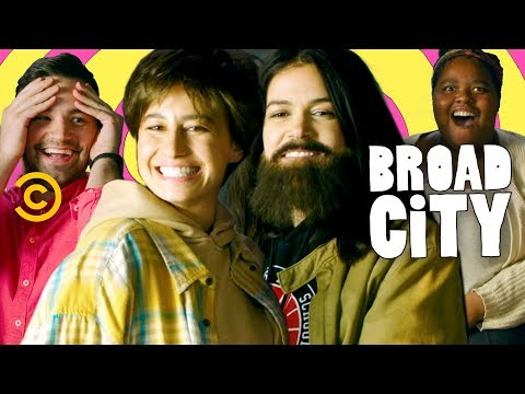Abbi and Ilana Go Undercover to Meet Fans - Broad City