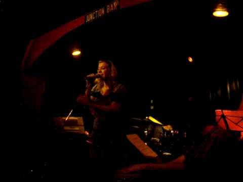 Anna Marlene Bicking sings Esperanza Spalding I Know You Know