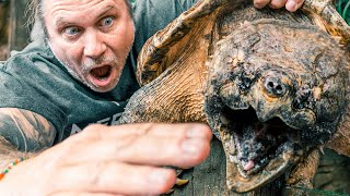 ALLIGATOR SNAPPING TURTLE BITES FINGERS OFF!! | BRIAN BARCZYK by Brian Barczyk