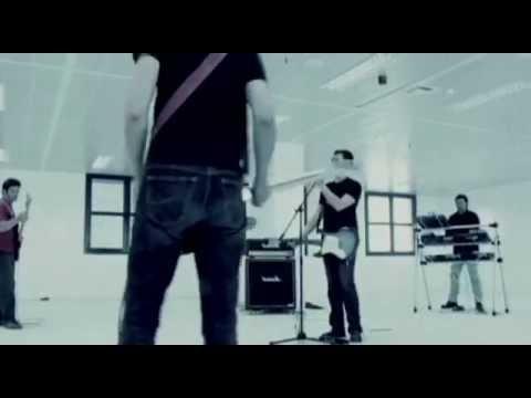 DOMENICA - Λίγη Ζωή ακόμη - Official Video Clip