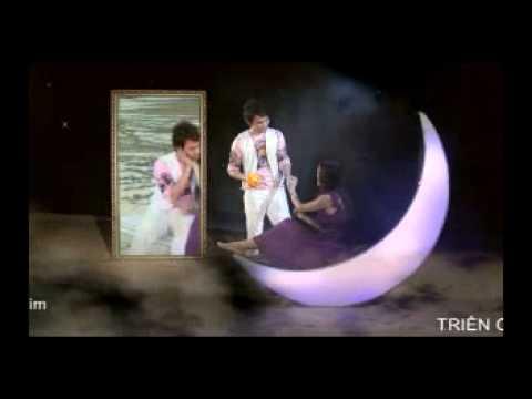 ANH THUY-Nua Vang Trang Co Don.wmv