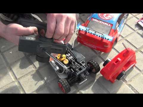 Cómo preparar un coche teledirigido de gasolina