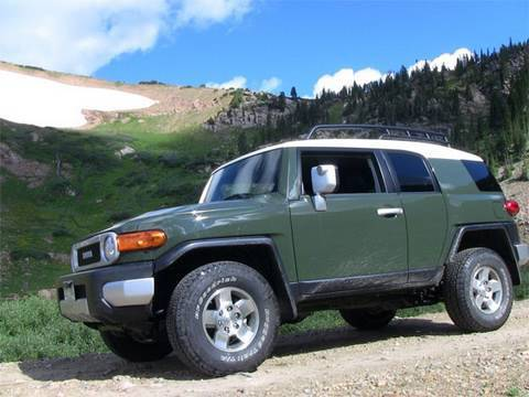2010 Toyota FJ Cruiser first look review