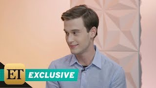 Video EXCLUSIVE: 'Hollywood Medium' Tyler Henry: 3 Ways to Identify a 'Fake' Psychic MP3, 3GP, MP4, WEBM, AVI, FLV Juni 2018