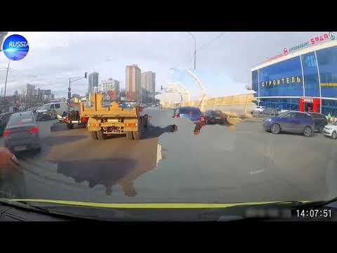 Как водители пропускают Скорую помощь в Санкт-Петербурге
