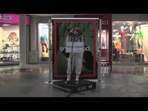 Mi Abuela en Comercial Del Mall Paseo de  las Flores.