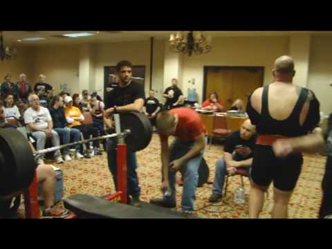 Chris Moore competing at the 2010 SPF Tennessee State Powerlifting Meet