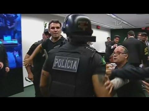 Εργαζόμενοι στις φυλακές εισέβαλαν στο βραζιλιάνικο κοινοβούλιο
