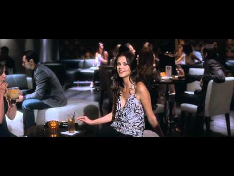 LOCO Y ESTÚPIDO AMOR primer trailer subtitulado al español - oficial de Warner Bros Pictures.