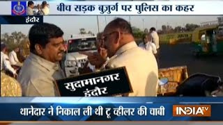 Traffic cop brutally assaults an old man in MP's Indore, video goes viral