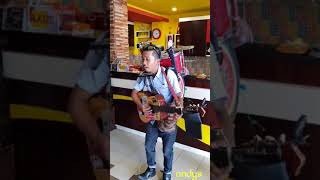 Video Goyang Maumere by pengamen unik dan keren MP3, 3GP, MP4, WEBM, AVI, FLV Juni 2018