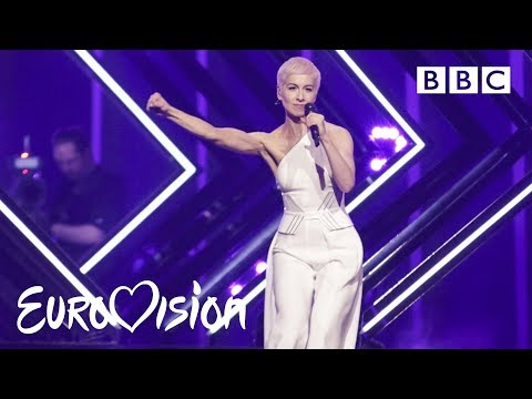 SuRie carries on after stage invasion - \