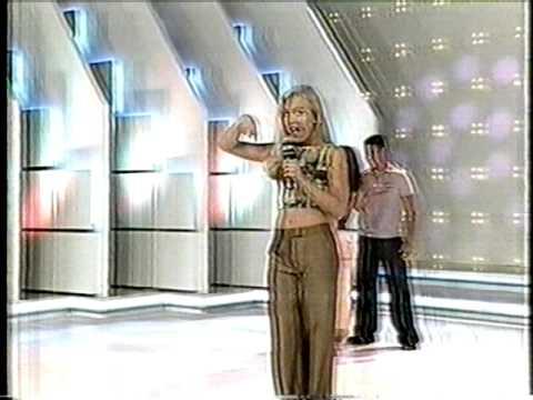 Angélica divulgando o filme ''Zoando na Tv'' na ''Turma do Did'' em 1998