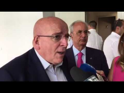 Mario Oliverio, il Ragioniere Super Ricco che porta a Renzi il SI…lenzio di una Calabria povera ed esclusa