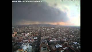 Tornado en Mexico 2012: Entre dos y tres tornados en el distrito federal México 1 de Junio 2012 HD