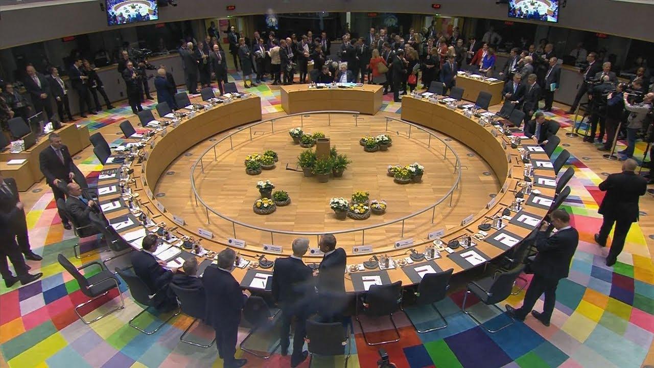 Ολομέλεια του Ευρωπαϊκού Συμβουλίου – πλάνα από το στρογγυλό τραπέζι