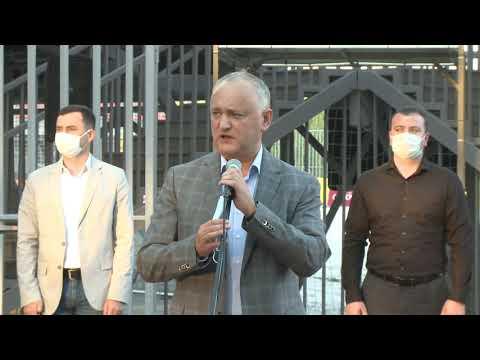 Igor Dodon a participat la deschiderea festivă a Arenei de fotbal pe plajă din Chişinău