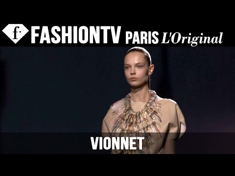 Fashion TV - http://www.FashionTV.com/videos PARIS - See highlights from the Vionnet Spring/Summer 2015 runway show during Paris Fashion Week and hear from the designer, top stylists and models, and VIP...