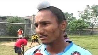 Video Harjeet Singh: Kurali's 17 year old prodigy lives his hockey dream MP3, 3GP, MP4, WEBM, AVI, FLV Juni 2018
