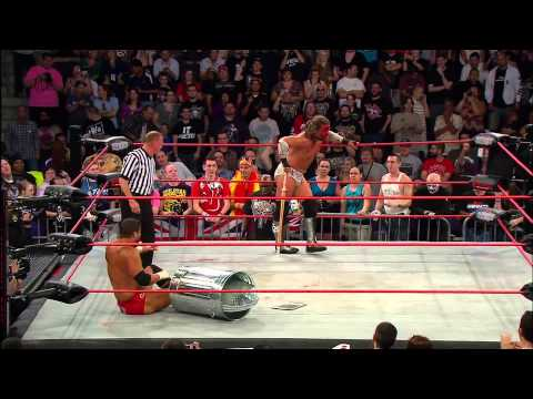 James Storm vs. Bobby Roode - Street Fight 2012