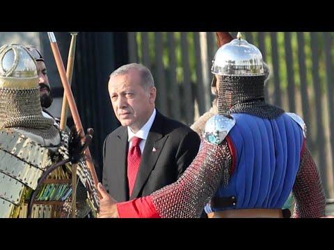 Türkei: Erdogan baut seine Macht weit aus