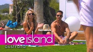 Video A couple's yoga session leaves Tayla fuming | Love Island Australia 2018 MP3, 3GP, MP4, WEBM, AVI, FLV Juni 2018
