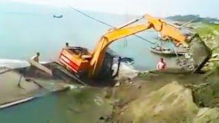 faze tari excavator pe barca
