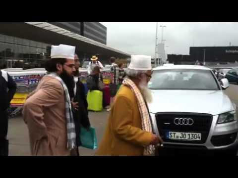 Ghazi E Millat , Hazrat Hashmi Miyan en Taj Ul Ulema Noorani Miyan Schiphol www.ghaziemillat.com