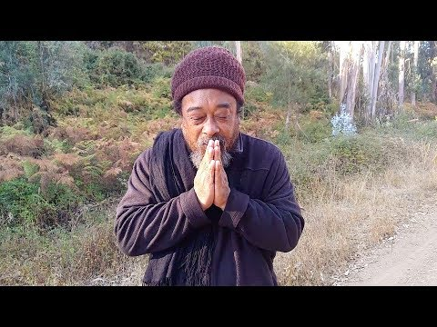 Mooji Moment: Why Personal Issues Are Not for Satsang