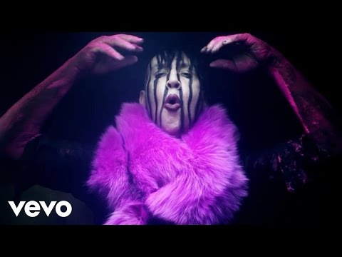 0 Marilyn Manson : Slo Mo Tion  video clip breve 