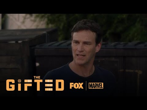 The Gifted 1.03 (Clip 'Reed Confronts A Mutant In The Alley')