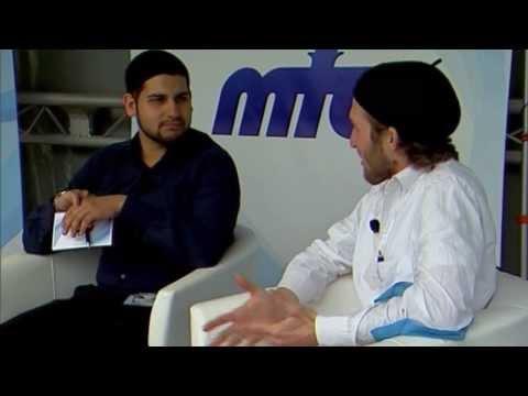 Gespräch mit zwei Muslimen, die zum Islam konvertierten